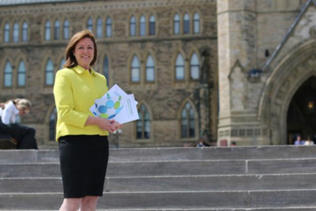 La chef du développement de la littératie financière, Jane Rooney. (Groupe CNW/Agence de la consommation en matière financière du Canada)