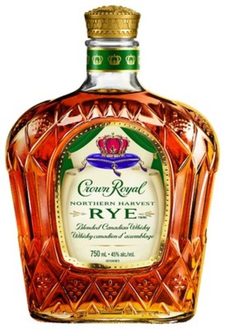 Crown Royal Northern Harvest Rye is the 2016 World Whisky of the Year, becoming the first Canadian whisky to earn the title in Jim Murray's annual Whisky Bible, showcasing the brand's prominence as a category leader. (CNW Group/Diageo Canada)