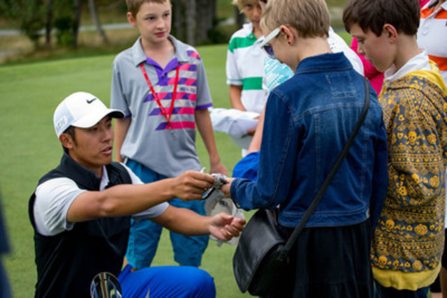 Ben Eoin, N.S. - September 13: Cape Breton Celtic Classic champion C.T. Pan signs autographs after defeating Taylor Pendrith to win his second Mackenzie Tour title. Photo: Derek Gallant/PGA TOUR   (CNW Group/Mackenzie Financial Corporation)