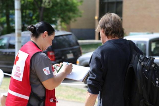 Les gouvernements du Canada et de l'Alberta, de même que la Croix Rouge canadienne, continuent de soutenir les résidents de Fort McMurray. (Groupe CNW/Instituts de recherche en santé du Canada)