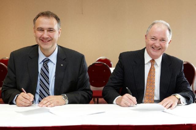 M. Luc Labelle, président et chef de la direction de la Chambre de la sécurité financière et M. Greg Pollock, président et chef de la direction d'Advocis. (Groupe CNW/CHAMBRE DE LA SECURITE FINANCIERE)