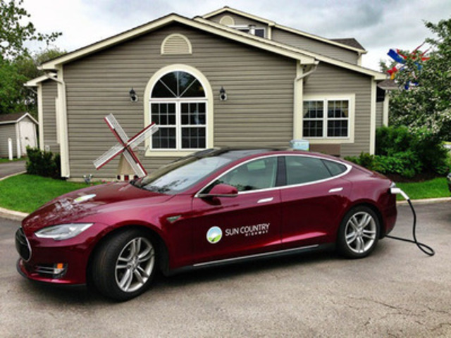 Sun Country Highway's Tesla S Model on tour across New Brunswhick to build EV infrastructure. (CNW Group/Sun Country Highway)