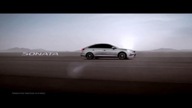 La deuxième publicité lancée par Hyundai Auto Canada dans le cadre de sa nouvelle campagne de promotion met en vedette sa berline de taille intermédiaire, la Sonata, et ses technologies de sécurité perfectionnées. (Groupe CNW/Hyundai Auto Canada Corp.)