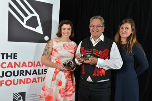 Wawmeesh G. Hamilton (middle), graduate student from the UBC School of Journalism, and Nikki Wiart (left), producer with Global News Edmonton, were the recipients of the CJF Aboriginal Journalism Fellowships. Chantelle Bellrichard (right), amultimedia journalist with CBC News in Vancouver who was the first recipient of the fellowship, presented the award. (CNW Group/Canadian Journalism Foundation)