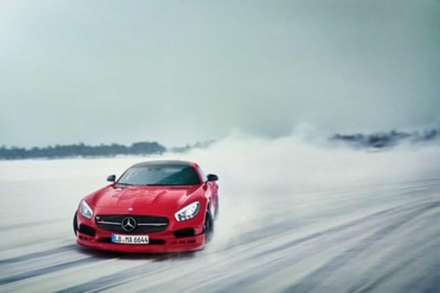 The AMG Driving Academy has added Lake Winnipeg in Gimli, Manitoba, as a new North American destination for its signature AMG Winter Sporting program. (CNW Group/Mercedes-Benz Canada Inc.)