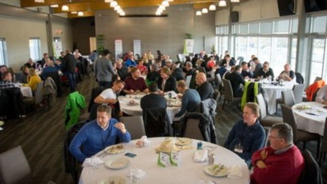 Journalists TestFest Taking A Break (CNW Group/Automobile Journalists Association of Canada)