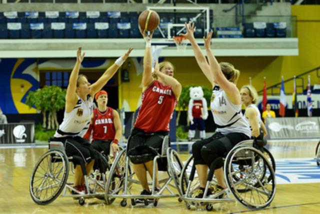 Canada qui se taille une place en quart de finale malgré la perte contre l'Allemagne, au Championnat du monde féminin de basketball en fauteuil roulant 2014, à Toronto (Groupe CNW/ Basketball en fauteuil roulant Canada)