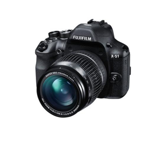 Fujifilm X-S1 Front Left 24mm (CNW Group/FUJIFILM Canada Inc.)