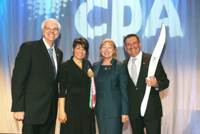 From left to right : Daniel McMahon, FCPA, FCA, President and CEO of the Order, Sylvie Bernier, host and Olympic champion, Shelley Brown, Chair of CPA Canada and Stephan Robitaille, FCPA, FCGA, Chair of the Order (CNW Group/Ordre des comptables professionnels agréés du Québec)