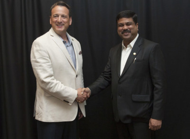 The Honourable Greg Rickford, Canada's Minister of Natural Resources, and Shri Dharmendra Pradhan, India's Minister of State (Independent Charge) Petroleum and Natural Gas, discussed in Calgary, Alberta, Canada, on July 5, 2015, the growing energy relationship between their two countries and opportunities for enhanced cooperation. (CNW Group/Natural Resources Canada)