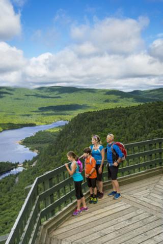 Légende photo : Parc national du Mont-Tremblant - Crédit : Mathieu Dupuis, Sépaq  (CNW Group/Société des établissements de plein air du Québec)