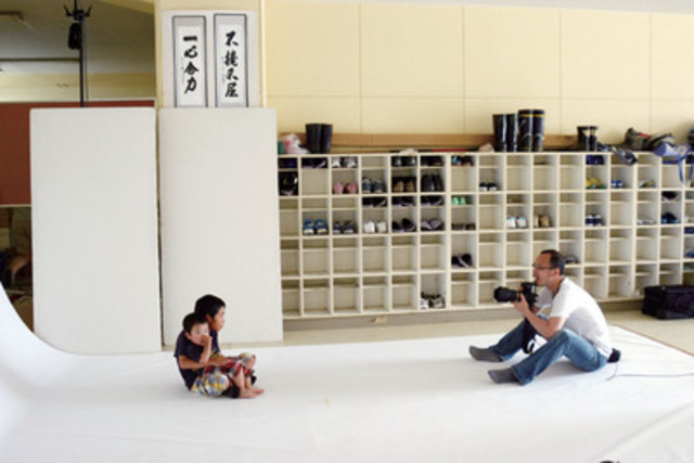 All portraits were taken on-site at disaster relief centres in the immediate aftermath of the March 2011 earthquake/tsunami in eastern Japan. (CNW Group/Shiseido Canada Inc.)