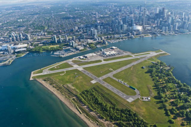 Billy Bishop Toronto City Airport Named a Top International Airport in Condé Nast Traveler 2016 Readers' Choice Awards (CNW Group/PortsToronto)
