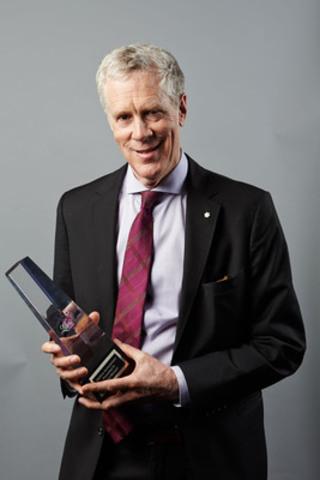2014 Libris Lifetime Achievement Award Winner Stuart McLean (CNW Group/Retail Council of Canada)
