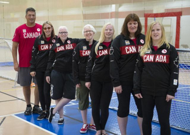 L'équipe féminine de goalball est dirigée par Nancy Morin, de Longueuil, au Québec, qui participera à ses cinquièmes Jeux paralympiques et a été membre des formations médaillées d'or en 2000 et 2004. Les doubles championnes du monde Whitney Bogart, de Marathon, en Ontario, et Amy Burk, de Charlottetown, dans l'Î.P.-É., sont aussi deux joueuses vétérans qui participeront à leurs troisièmes Jeux. Ashlie Andrews, de Penticton, en C.-B., et Jillian McSween, d'Halifax, étaient de la formation à Londres 2012 tandis que Meghan Mahon, de Timmins, en Ontario, fera ses débuts paralympiques. (Groupe CNW/Comité paralympique canadien (CPC))
