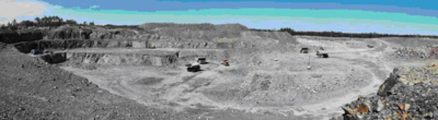Photo 1: Open Pit operations at Young-Davidson (CNW Group/AuRico Gold Inc.)