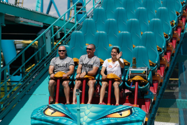 Torchbearer Erin Clancy, rides Canada's tallest and fastest roller coaster alongside the Pan Am flame in Vaughan, Ontario on June 24, 2015. Canadian Press Images PHOTO/ TO2015. (CNW Group/Toronto 2015 Pan/Parapan American Games)