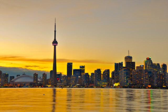 Toronto - Une métropole dynamique aux immenses gratte-ciel dont la fameuse tour du CN (Groupe CNW/Hotels.com)