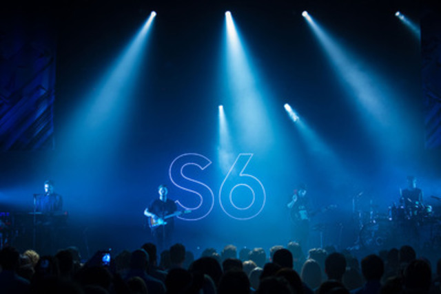 To launch the Samsung Galaxy S6 and S6 edge, Indie rock band, alt-J joined Samsung Canada on stage last night at Sound Academy in Toronto (CNW Group/Samsung Electronics Canada)