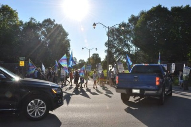 Grit golfers Teed Off: OPSEU disrupts Liberal golf tournament fundraiser (CNW Group/Ontario Public Service Employees Union (OPSEU))
