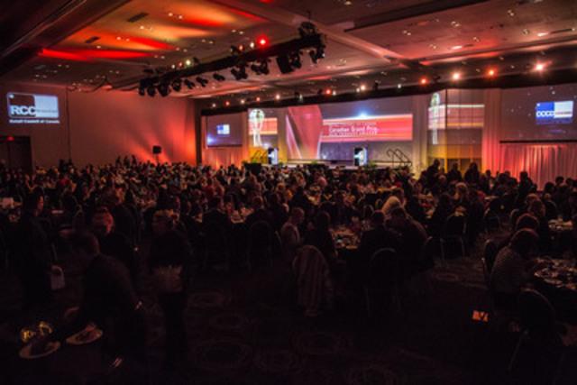 Gala des lauréats du Grand Prix canadien des produits nouveaux lors de la Conférence STORE 2015 du Conseil canadien du commerce de détail (Groupe CNW/Conseil canadien du commerce de détail)
