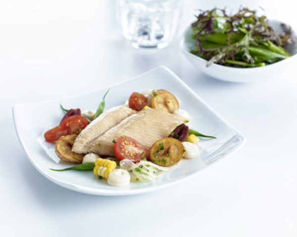 Salade niçoise à la truite fumée (Groupe CNW/Air Canada)