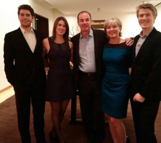 La Famille Harquail : James, Sofia, David, Birgitta, Peter (Groupe CNW/Laurentian University)
