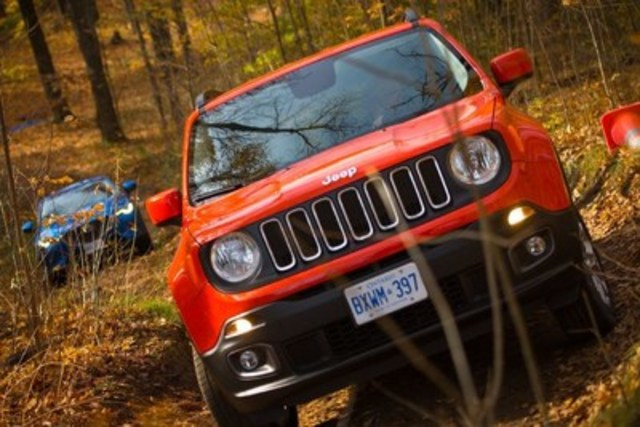 Off-road course back to back testing (CNW Group/Automobile Journalists Association of Canada)
