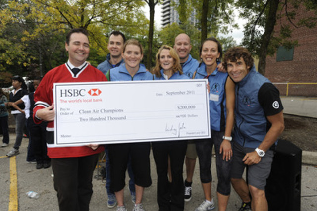 (L-R): Eric Brock (Chief Operating Officer, Commercial Banking, HSBC Bank Canada), and Clean Air Champions Kelly McCaig (Sailing), Hayley Wickenheiser (Olympic Gold Medalist 2010, Women's Ice Hockey), Deirdre Laframboise (Executive Director, Clean Air Champions), Brian Stemmle (Alpine Skiing), Kara Zakrzewski (Beach Volleyball) and Bill Trayling (Kayak) celebrate the HSBC Group's $200,000 donation to Clean Air Champions. (CNW Group/Clean Air Champions)