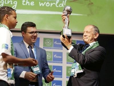 ฟุตบอลทีมชาติบราซิลคว้ารางวัล Nine Values Cup ในโครงการ Football for Friendship