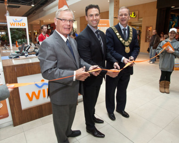 Anthony Lacavera, Niagara Native and CEO of WIND Mobile is joined by Mayor Brian McMullan, of St. Catherines and Mayor Bary Sharpe, of Welland, for the launch of WIND Mobile in the Niagara Region. (CNW Group/WIND Mobile)