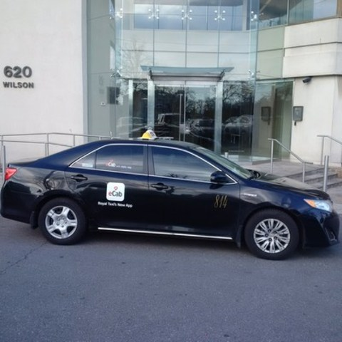 Universal Smartphone app eCab launches in Toronto with Royal Taxi a pioneer in the GTA transportation industry with more than 50 yeras of experience. eCab is a made in France App that is available for more than 40,000 cars in 6 countries and 30 cities in: Canada, India and Europe.  (CNW Group/eCab)