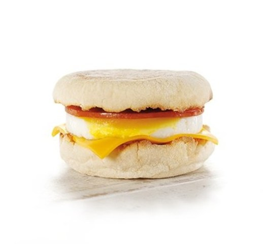 McDonald's® du Canada s'engage à s'approvisionner exclusivement en œufs 100 % canadiens provenant de poules en liberté (Groupe CNW/McDonald's Canada)