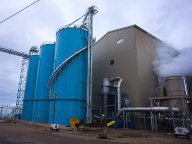Legumex Walker Inc. announced the Pacific Coast Canola oilseed processing facility in Warden, Washington has commenced production and completed its first sale and shipment of canola oil and meal. (CNW Group/Legumex Walker Inc.)