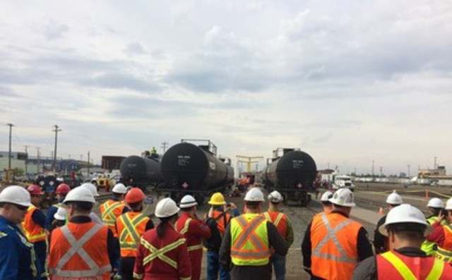 Observers view rail emergency exercise in CP's Strathcona rail yard (CNW Group/Emergency Response Assistance Canada (ERAC))