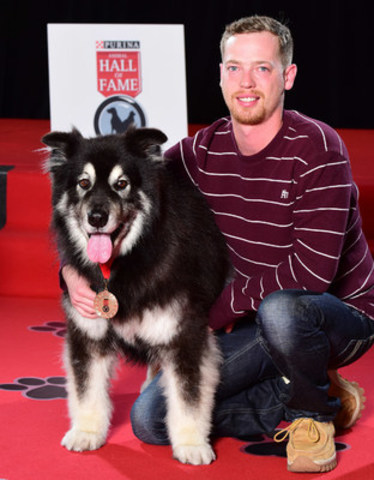 Mitch Hawman's heroic dog, Rex, was inducted today into the 2016 Purina Animal Hall of Fame for waking a family member in time to escape a house fire. (CNW Group/Nestle Purina PetCare)