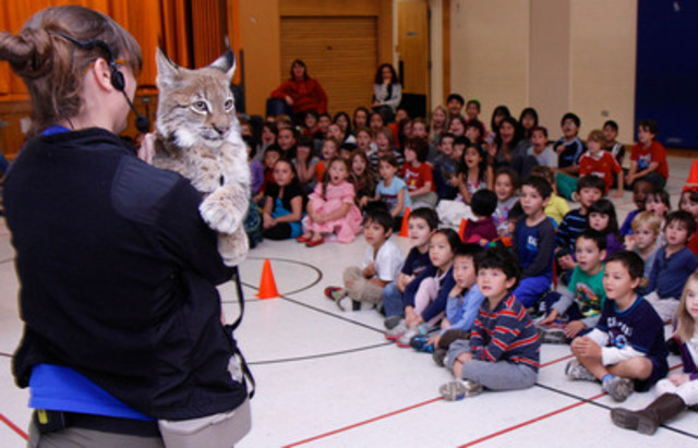 Earth Rangers visits over 600 schools across the country each year with a compelling, interactive, live show that educates students about the importance of protecting biodiversity. The program incorporates Animal Ambassadors to connect students to environmental issues facing wildlife and their habitats. (CNW Group/Earth Rangers)
