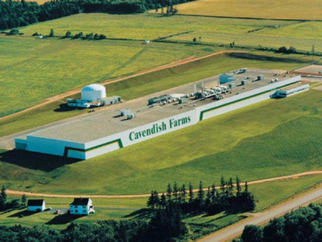 Les Fermes Cavendish font l'acquisition d'une usine à Lethbridge en Alberta. L'entreprise possède déjà trois usines ultramodernes de transformation de la pomme de terre en Amérique du Nord, y compris celle-ci à New Annan, à l'île‑du‑Prince‑Édouard. (Groupe CNW/Les Fermes Cavendish)