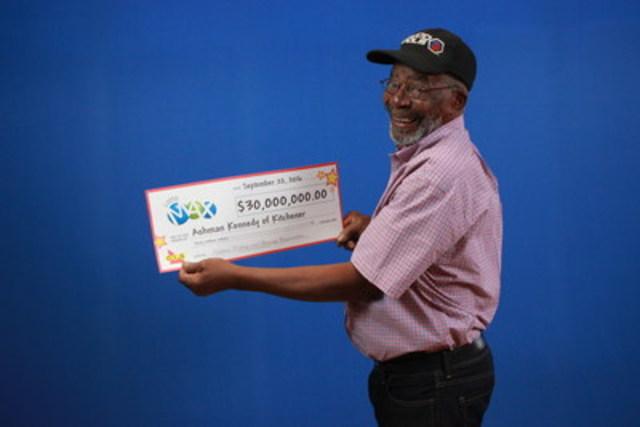 Osez rêver : Un grand-papa de Kitchener veut voyager dans le monde grâce à un gain de 30 millions $ à LOTTO MAX (Groupe CNW/OLG Winners)