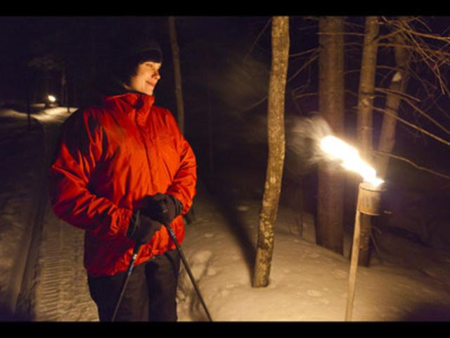 Soirée Souper, raquette et Astronomie au parc national du Mont-Mégantic (Groupe CNW/Société des établissements de plein air du Québec)