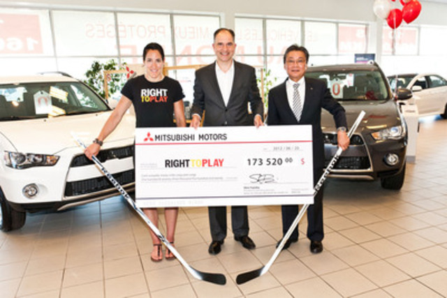 Supporting kids and communities: Caroline Ouellette, Right To Play ambassador and hockey overtime hero, RTP national director Robert Witchel and Mitsubishi Motors of Canada president and CEO Shin Fujioka. (CNW Group/Mitsubishi Motor Sales of Canada, Inc.)