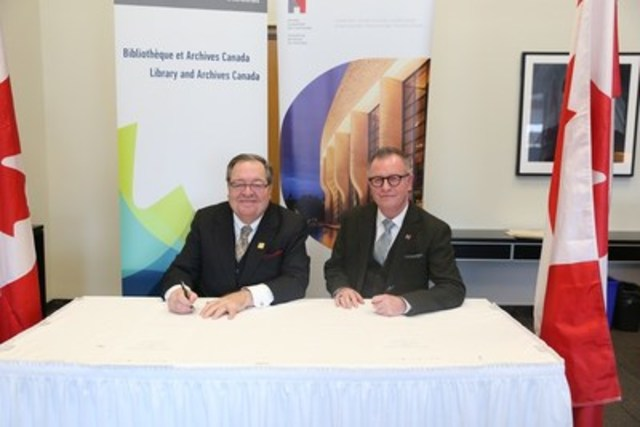 Mr. Mark O'Neill, President and Chief Executive Officer of the Canadian Museum of History with Dr. Guy Berthiaume, Librarian and Archivist of Canada. (CNW Group/Canadian Museum of History)