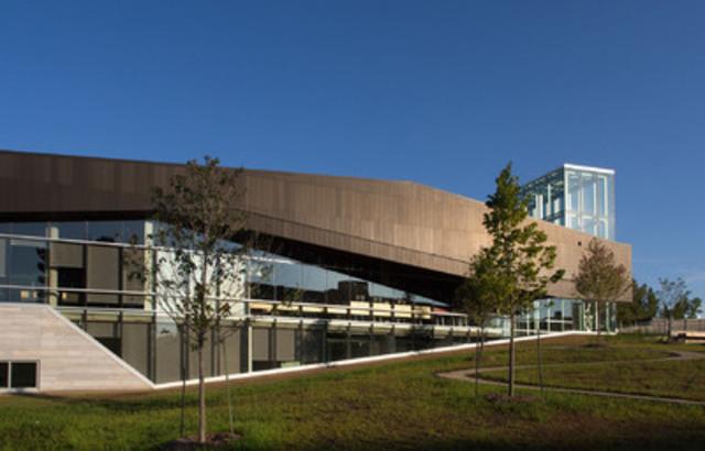 Bibliothèque du Boisé. Crédit photo : Yien Chao (Groupe CNW/Ville de Montréal - Arrondissement de Saint-Laurent)