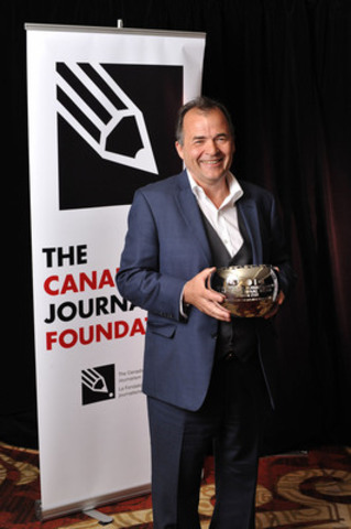 Michael Cooke, editor of the Toronto Star, accepted the Excellence in Journalism Award in the large-media category at the 17th Annual Canadian Journalism Foundation Awards. (CNW Group/Canadian Journalism Foundation)