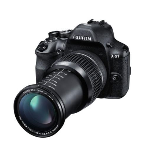 Fujifilm X-S1 Front Left 624mm (Groupe CNW/FUJIFILM Canada Inc.)