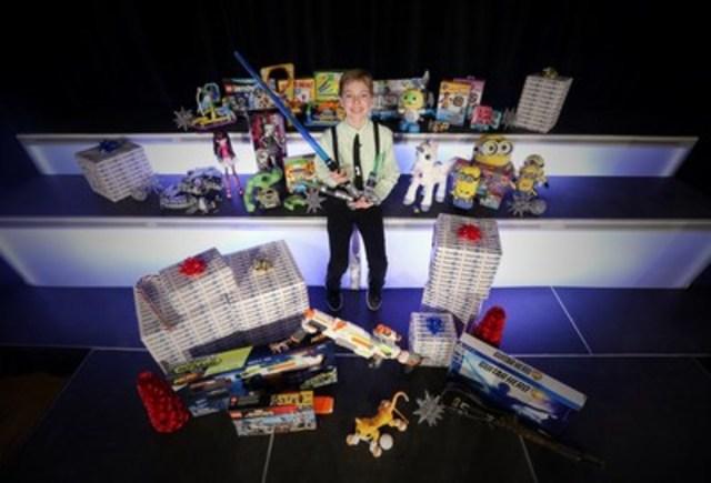 """Alex Thorne, président-divertissement général chez Toys""""R""""Us, Canada dévoile la liste de jouets WOW des fêtes mettant en vedette les jouets les plus attendus par les enfants cette année. (Groupe CNW/Toys """"R"""" Us (Canada) Ltd.)"""