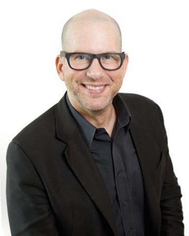 Scott Elliott (CNW Group/imagine1day)