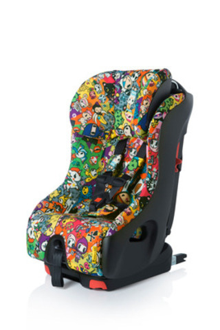 Canadian child passenger safety seating company, Clek, collaborates with Los Angeles-based fashion and lifestyle brand tokidoki. The tokidoki for Clek partnership includes three one-of-a-kind prints influenced by tokidoki's designs and characters for Clek's Olli, Oobr and Foonf child passenger seats. Photo: tokidoki for Clek's award-winning Foonf convertible car seat. www.clekinc.ca (CNW Group/Clek)
