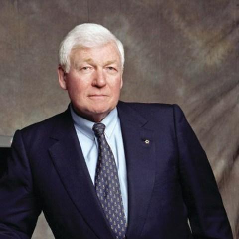 M. L.R. Wilson, président de la Fondation Wilson et chancelier du Temple de la renommée de l''entreprise canadienne (Groupe CNW/Jeunes Entreprises du Canada)