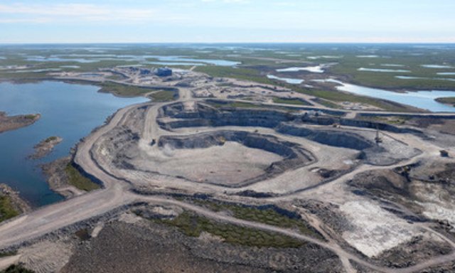 Ore from the 5034 Pit is now being fed into the process plant as the Gahcho Kué Project begins the ramp-up of diamond production. (CNW Group/De Beers Canada Corporation)